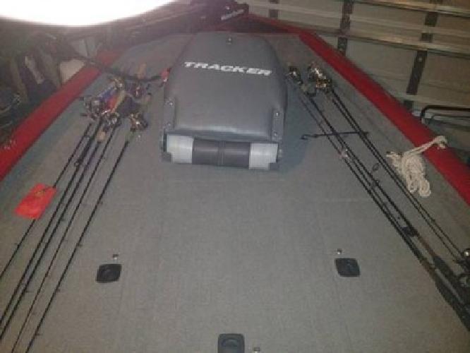 $12,500 2010 Bass Tracker Pro 175 TXW, 50hp 2 stroke Mercury, Low hrs