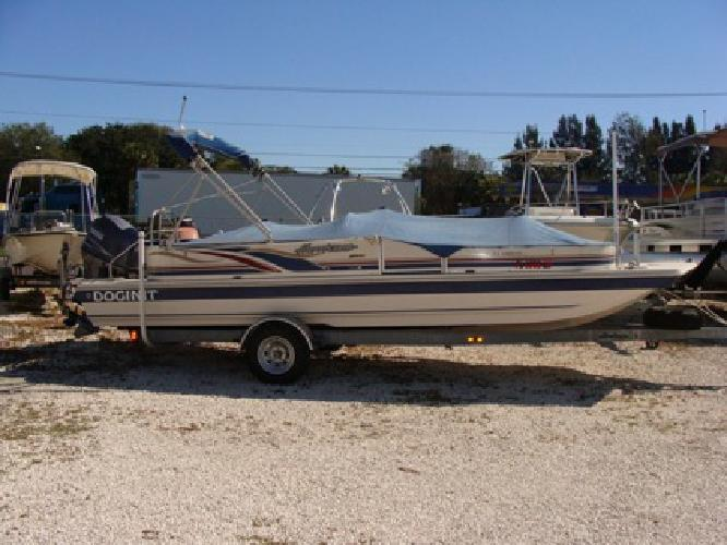 $12,900 22' Hurricane Fun Deck 2002