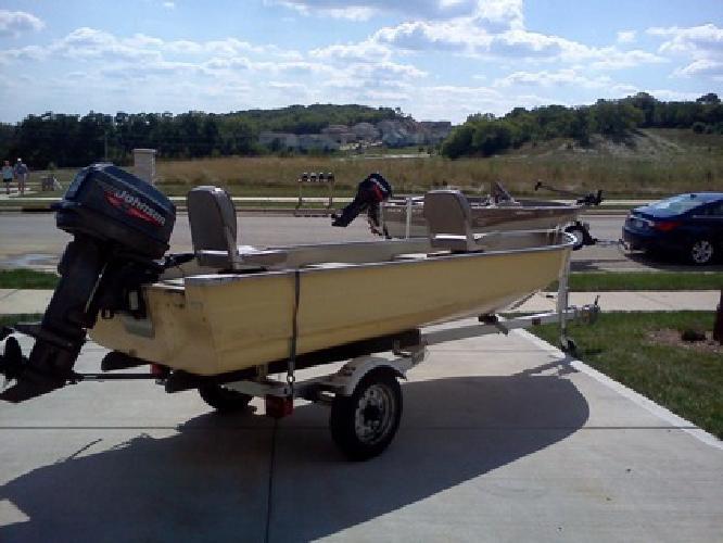 $1,399 OBO PRICE REDUCED! 14' Mirrocraft Fishing Boat