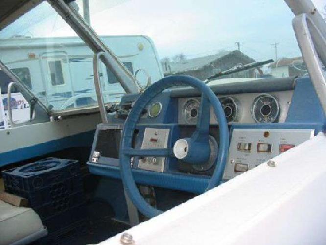 $1,495 Evinrude Tri hull 1991 (Milwaukee)