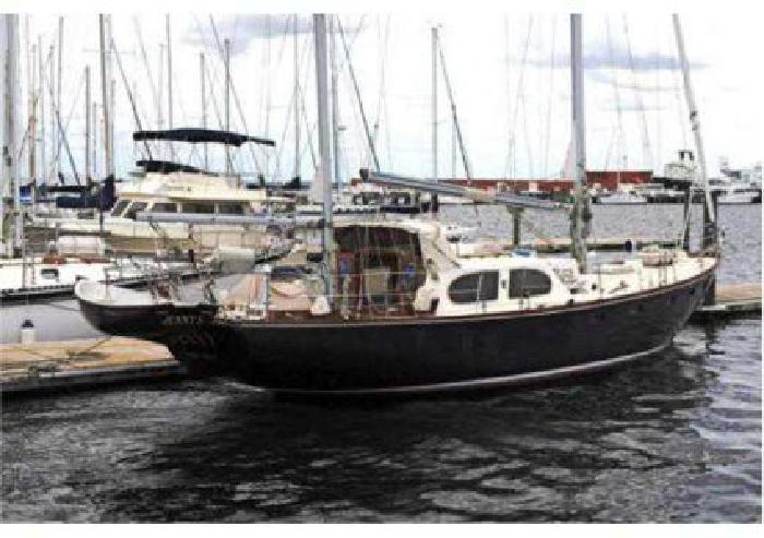 $149,500 1965 44 (ft.) PALMER JOHNSON built for Pearson