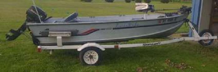 14ft Alumacraft fishing boat with trailer