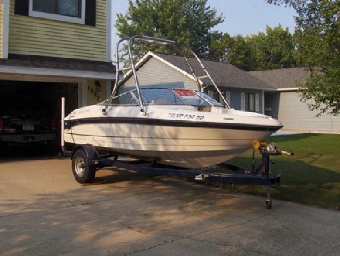 $15,900 2004 Four Winns Speedboat - Original Owner