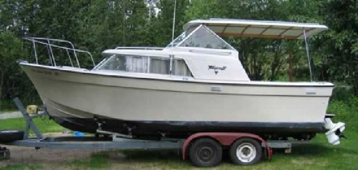 $17,500 24' tollycraft with trailer