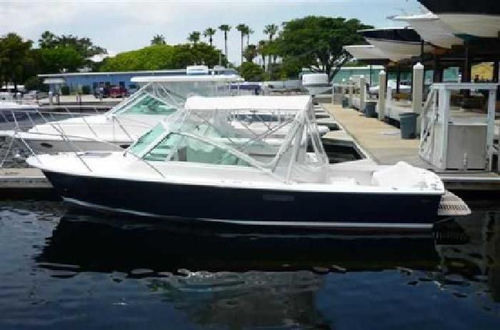 $179,900 2011 Hunt Yachts 25 HARRIER
