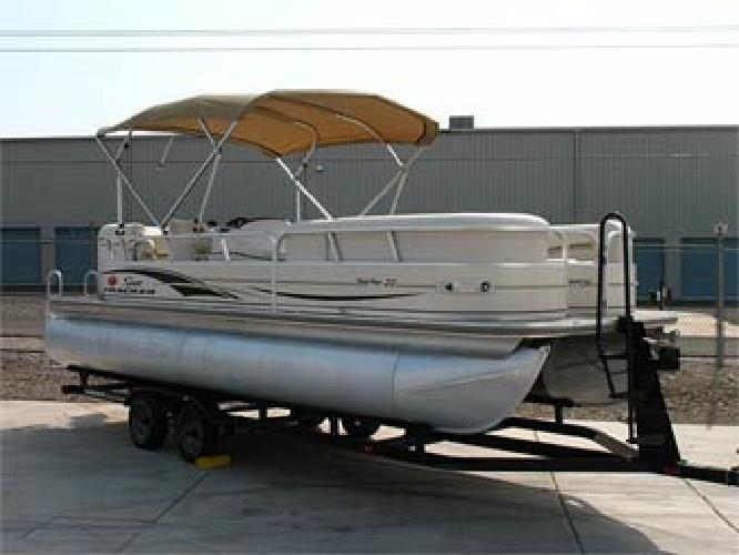 $18,995 2006 22' Sun Tracker Party Barge Regency Edition