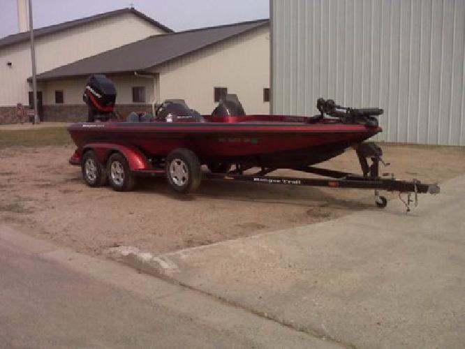 $18,999 2001 Ranger 205VS Fishing Boat