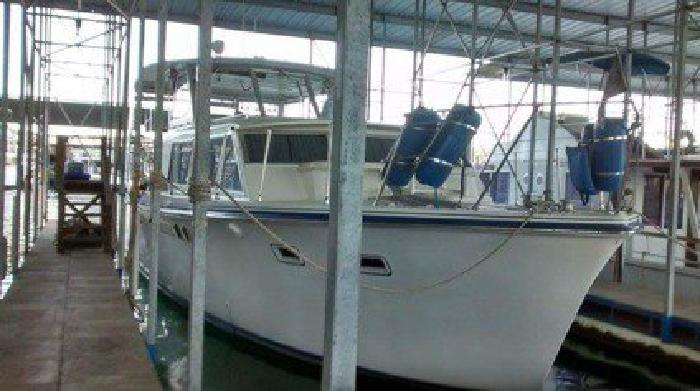 1967 Hatteras Twin Cabin Yacht