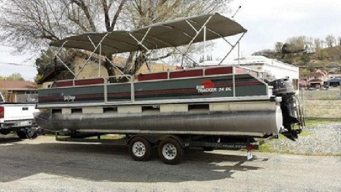 ?1990 Sun Tracker 90 hp pontoon Length 24?
