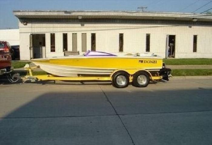 1996 Donzi 18' Classic Speedboat Loaded W/ Trailer