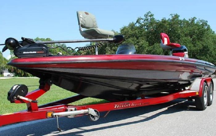 ...2 0 0 0 Triton Tr-21 Bass Boat Mercury 225 Hp Ss Prop