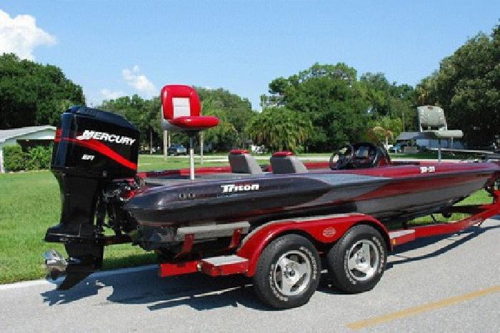 2000 Triton Tr-21 Bass Boat