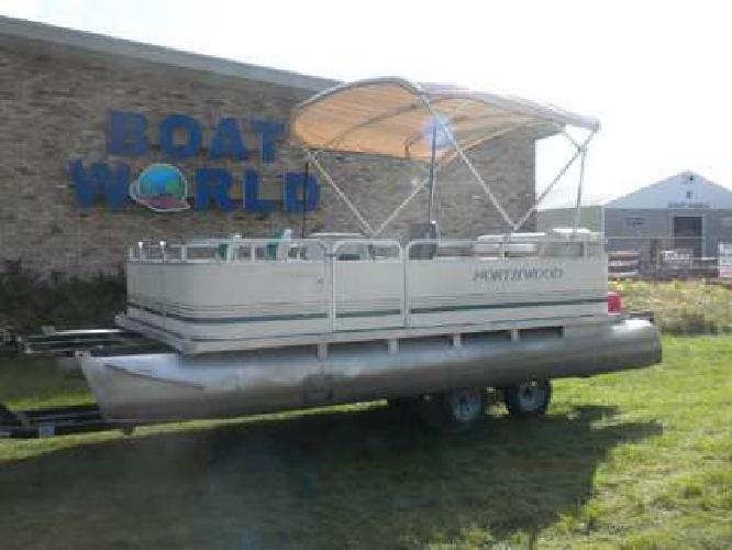 2001 Northwood 1819 Oasis Pontoon & 40HP Mercury Outboard