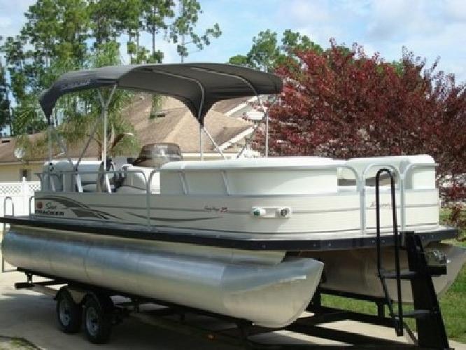 2005 Sun Tracker Regency 25 Pontoon Boat