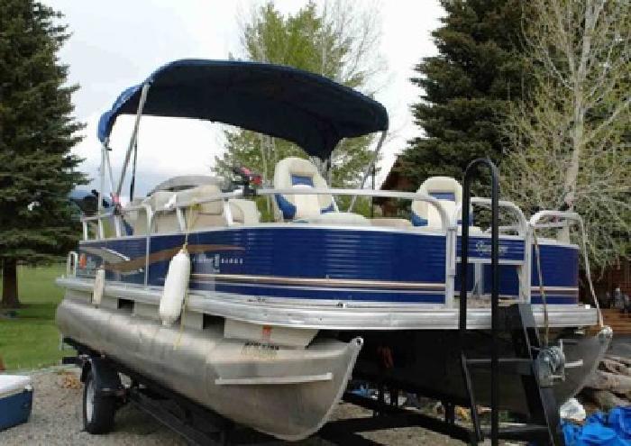 ?2012 Tracker Fishing ? Barge DLX 20?