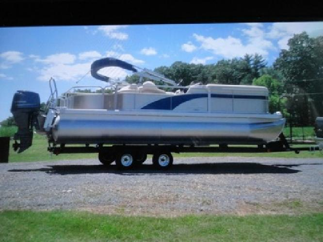 2013 Bennington SSLX22 , like new