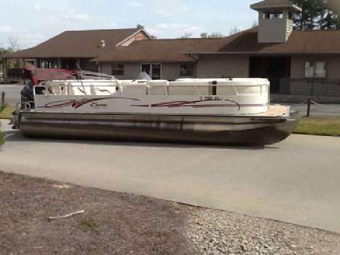 2013 Bentley Encore 240 Cruise w/ 115 Yamaha 4-stroke. No trailer