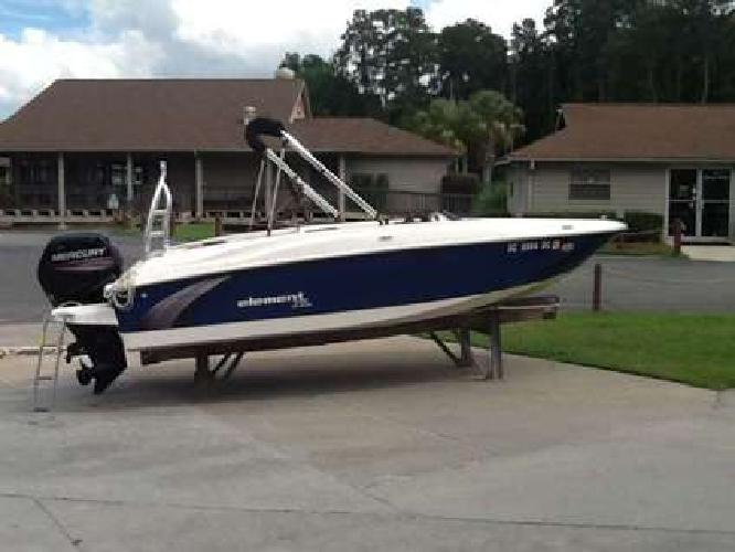 2016 Bayliner Element XL w/ 115 Mercury 4-Stroke & trailer