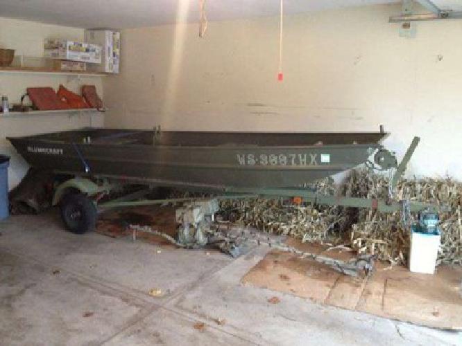 $2,500 14 ft john boat with mud motor (burlington)