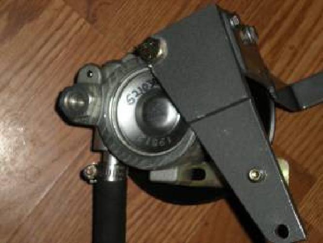 $300 NEW Power steering pump Merc, Volvo, OMC SBC engines (beverly)
