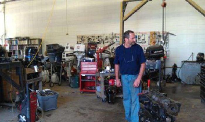 $3,400 Johnson Evinrude 200 hp (Abertville)
