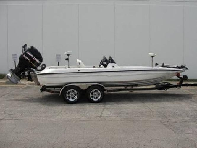 $35,500 2009 Champion 210 Elite Boat