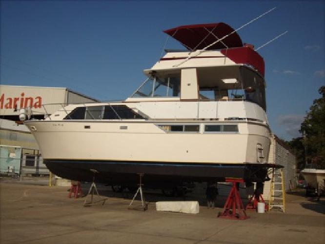 $38,000 1976 Pacemaker Motoryacht Flybridge 40 Ft. NEW PRICE $38.000