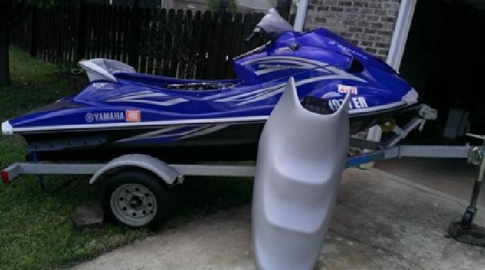 $6,500 OBO 2007 Yamaha Waverunner Vx Deluxe W/ Trailer