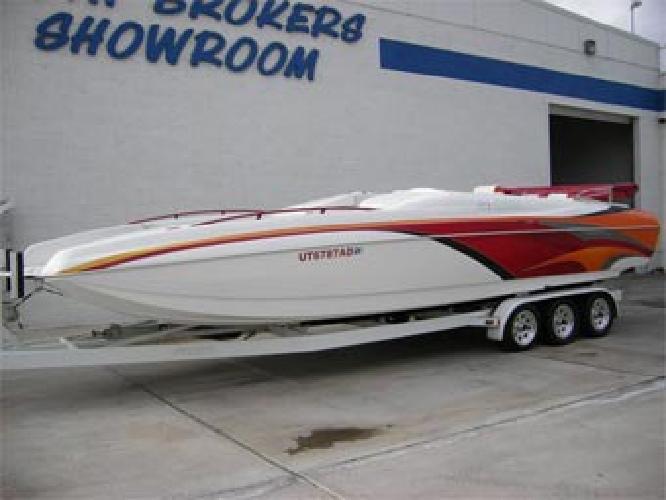 $74,999 2006 28' Magic Deckboat