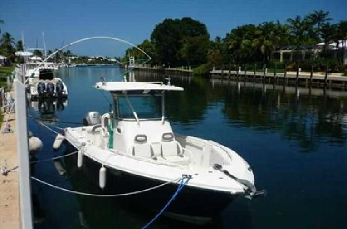 $79,995 2006 Everglades Boats 26 CENTER CONSOLE