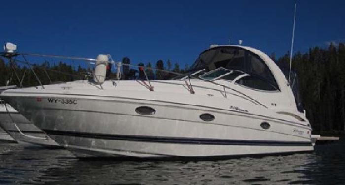 $94,500 2006 32.3? Cruisers Yachts 300 Express