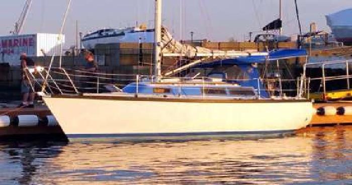 Dufour 29 Sailboat