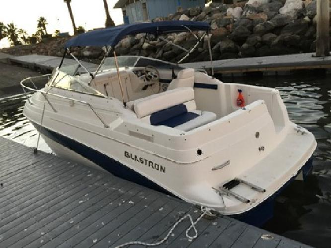 Immaculately 2000 Glastron GS249
