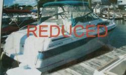 1993 29' Monterey 286 Sel Cruiser : fiberglass, gas, twin 4.3 MerCruisers 210 hp, port was installed new in 2009, and starboard repowered in 2002, staterooms, a/c, refrigerator, stereo, two burner electric/alcohol stove (never used), stand up head