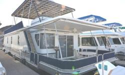 65' STARDUST Starlite Houseboat? Year