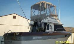 "1986 28' ""Villa Vie"" Cruiser Inc. Convertable Large Aft Deck Two (2) 350's - Gas Head Saloon Heat & A/C Winterized Located in Lewes, Delaware Sold As Is! Only Two (2) Owners! Fish Or Cruise! PLEASE CALL 302.228.5763 OR EMAIL [email removed] NOW TO SET UP"