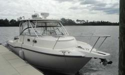 2007 Boston Whaler 305 CONQUEST Raymarine E-120 GPS/FF/Radar 4 KW, Raymarine Raystar 215 VHF, Raymarine ST6002 Autopilot, Satellite TV, AC/Heat, Generator, Financing Available!! My Client is moving up...We are offering this 2007 Boston Whaler 305 Conquest