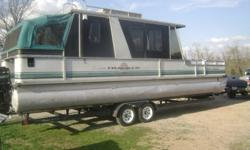 For sale a 1993 Suntracker party cruiser with a 115 hp. Mercury outboard, It has a 4000 watt Onan generator, also has an ac/heat pump, electric or alcohol stove, Microwave, AC/DC refrigerator, shower/porta pot, battery charger. Last year I had 2 new cdi