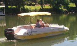 THIS IS A GREAT FUN BOAT !!!! SEATS UP TO 10,VERY CLEAN !!! MANY FEATURES