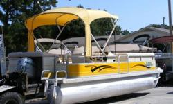 """2000 Bennington 2250 LX in really nice """"clean"""" condition with a Honda 90HP 4 Stroke Engine - This boat DOES NOT come with a trailer. See more information here - http://ccmarine.com/Boat-For-Sale/9114/2000-Bennington-2250-LX/"""