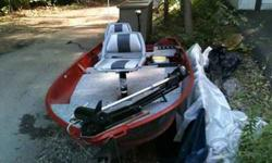 14.6 ft. Sea Nymph V Hull aluminum Boat with two swivel seats, two built in storage compartments and bait bucket, fish finder, rod holders, running lights and 2 trolling motors. Please contact for further information or pictures.