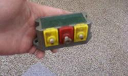 Voltage Regulator #332-4252. In a circle there are the numbers 380. BonnieListing originally posted at http