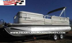 2002 SmokerCraft 8522 Infiniti Cruise Tritoon For Sale by 1st Phase Marine - Sunrise Beach, Missouri Exterior Color