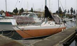Race around the buoys or cruise with the family, this boat can do both. Doug Peterson Chaser 29 Half Tonner has had a fastidious owner, nothing has been left to chance. The deck is fitted with 9 self tailing winches, spinnaker pole, speed and depth,