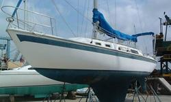 Classic Bill Lapworth designed Cal 34 Mark III ? well equipped for club racing and cruising ? nice condition inside and out ? NEW Westerbeke diesel (40 hours) ? NEW Raytheon electronics.Brilliant Bonus: purchase of vessel includes credit towards Pierside