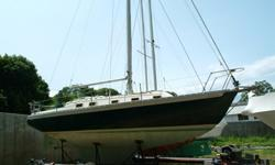 1977 ENDEAVOUR 32' SAILBOATVessel in water, commissioned in Port Washington, NY. Sails like a dream - ease in handling. True bluewater vessel. Interior is spacioius and finished w varnished teak. The cabin sole is teak parquet.Heavily built with wheel,