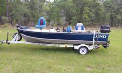 """16' LUND FISHING BOAT CENTER CONSOLE LOADED!! 50 HP MERCURY OUTBOARD! TRAILERI'm selling my """" Lund 16 foot Center console steering fishing Boat / Trailer with 1987 Mercury Classic 50 with MANY EXTRA ACCESSORIES """" as shown in the photo's! 3 swivel seats,"""