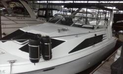 '87 Bayliner 2655 cruiser powered by a great running V-8 engine system. Amenities include air, bimini top, compass, ship to shore radio, depth finder, fish finder, galley, head, etc. This is a solid older boat in good condition; sleeps six. In the water
