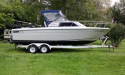 The Penn Yan 257 Aggressor is a 25? 7? long boat with a 9.4? beam that weighs 5,500 lbs. (dry weight) and trailers easily with a ¾ ton truck. It has a 350 Merc. and an I/O sterndrive.The great running 5.7 Merc. Has about 3700 hours. Maintained by Mike's