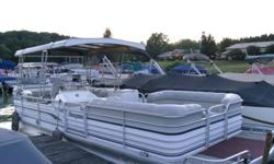 """Godfrey Sanpan Luxury Cruise Model 25' length, 8.2"""" wide, 17 passengers, up to 160 hp equipped with 25hp 1999 Yamaha outboard 4 Stroke Motor that starts every time and runs smooth. Extra large internal built in gas tank, Dual Batteries under the Sundeck"""